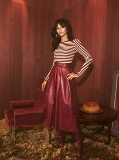 Today, Tommy Hilfiger gave us a first look at its Spring 2019 Womenswear Collection, co-designed by actress and global ambassador for the brand, Zendaya. The full collection will be shown on March during Paris Fashion week. Zendaya Model, Zendaya Style, Zendaya Red Hair, Style Outfits, Fashion Outfits, Moda Pop, Zendaya Outfits, Zendaya Fashion, 70s Fashion