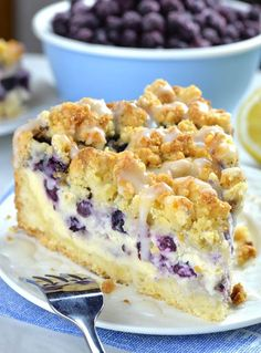 Blueberry Cheesecake Crumb Cake - - Blueberry Cheesecake Crumb Cake is delicious combo of two mouthwatering desserts: crumb cake and blueberry cheesecake. With this simple and easy dessert recipe you'll get two cakes packed in one amazing treat. Köstliche Desserts, Chocolate Desserts, Delicious Desserts, Dessert Recipes, Chocolate Chips, Healthy Desserts, Angel Food Cake Desserts, Lemon Blueberry Cheesecake, Blueberry Cookies