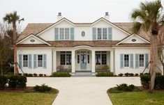 House Tour: Andrew Howard Design in Ponte Vedra - Design Chic Exterior Stairs, Craftsman Exterior, Exterior Cladding, Cottage Exterior, Garage Exterior, Rustic Exterior, Exterior Signage, Modern Exterior, Exterior Gray Paint