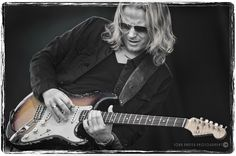 https://flic.kr/p/pxrHjH | DSC_5395ccBWclr2 | Matt Schofield at Kitchener Blues Fest, August 2014
