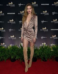 Gigi Hadid stunning look in Las Vegas as celebrating 21st birthday with her friends that she cannot forget, from the past week Gigi Hadid is celebrating her