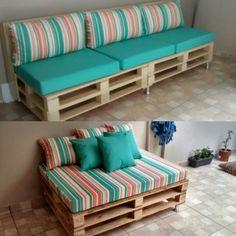 Sofa de palete, in 2020 Palette Furniture, Pallet Patio Furniture, Diy Pallet Sofa, Outside Furniture, Diy Sofa, Home Decor Furniture, Sofa Sofa, Pallet Headboards, Pallet Benches