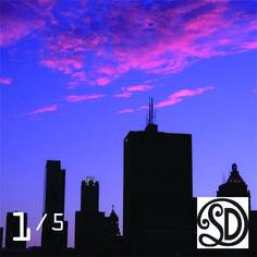 Kussen Skyline Chicago (60x60 cm). Foto gemaakt door #MirjamvanRavenhorstDeTextielFabriekSDD. Beperkte oplage van 5 stuks. Te bestellen bij www.vintageinthespotlight.nl