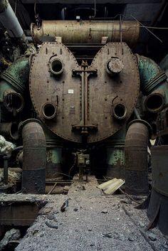 Powerplant A by Aurélien Villette. Kinda looks like a steampunk robot version of the 'Kool-Aid Man'!