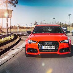 Unser #audiberlinale #caroftheday: Der Audi RS6 Avant.  Foto: @robert_schlesinger Kraftstoffverbrauch kombiniert: 96 l/100 km CO2-Emission kombiniert: 224 g/km http://ift.tt/1Pi1RsR #rs6 #misanorot #berlinalemoments #audideutschland #quattro #vorsprungdurchtechnik #robertschlesinger #audicityberlin by audi_de