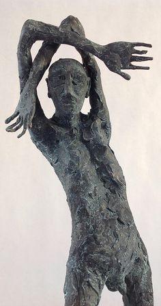 Figura Ne306. 2015. Arcilla polimérica. Polvo de bronce patinado. 38,5 x 14 x 14 cm. http://www.pablohuesoart.com