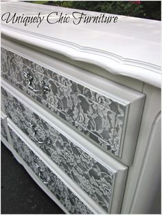 Looking for painted shabby chic furniture ideas or DIY projects? Here are 27 charming ideas and tutorials for your inspiration in this wonderful style. chic furniture dresser chic furniture for sale chic furniture painting shabby chic furniture Paint Furniture, Furniture Projects, Furniture Making, Furniture Makeover, Dresser Makeovers, Furniture Stores, Diy Projects, Lace Painted Furniture, Furniture Design