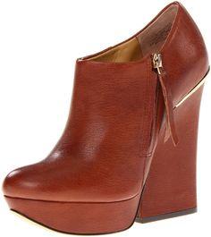 Amazon.com: Boutique 9 Women's Elister1 Ankle Boot: Shoes
