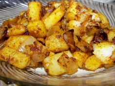 Portuguese Style Sauteed Potatoes A great way to cook your potatoes! This came from Emeril Lagasses cookbook, New New Orleans Cooking! Potato Dishes, Potato Recipes, Potato Ideas, Cooking Tips, Cooking Recipes, Healthy Recipes, Cooking Classes, Healthy Food, Veggie Recipes