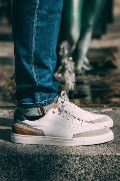 Sneakers blanches Beloka de chez Bexley #chaussures #baskets #sneakers #blanc #beloka #bexley #shoes #white Baskets Adidas, Adidas Stan Smith, Casual, Adidas Sneakers, Art, Fashion, Daily Outfit, White Sneakers, Moda
