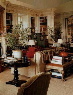 Oscar de la Renta's Connecticut Country House Living Room Decor, Living Spaces, Living Rooms, Bedroom Decor, Interior Decorating, Interior Design, Decorating Ideas, Beautiful Interiors, Traditional House