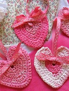 Crochet Valentines for Your Sweethearts - free pattern included