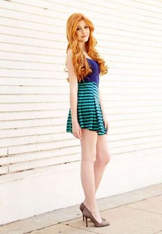 Sexy hot photos of Katherine McNamara. Katherine McNamara is an American actress. We know her as Harper Munroe in Happyland and as Clary Fray in Shadowhunters. Katherine Mcnamara, Beautiful Red Hair, Beautiful Women, Beautiful Dresses, Looks Pinterest, Red Hair Woman, Ginger Girls, Gorgeous Redhead, Hottest Redheads