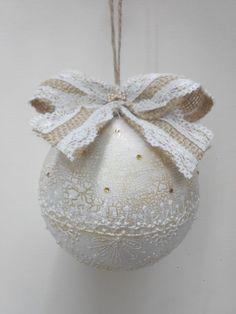 Новогодний шар ручной работы. Выполнен в технике декупаж с подрисовкой.  Симферополь  http://vk.com/wall-92923673_2151