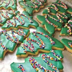 Mary's Cakes and Pastries – Christmas Tree Shortbread