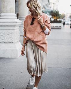 ☆ @iolandapujol  Fashion Blogger - Influencer (@constantly_k)
