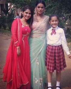 @aakritisharma.official @kingsonyaa @starplus Child Actresses, Child Actors, Tv Actors, Actors & Actresses, Mehendi Outfits, Kulfi, Celebs, Celebrities, Sari