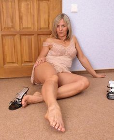 Older women sexy feet