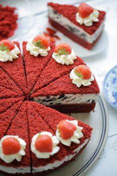 Dutch Recipes, Baking Recipes, Cake Recipes, Dessert Recipes, Red Velvet Oreo Cake, Red Cake, Make Ahead Desserts, Delicious Desserts, Oreo Cheesecake Recept