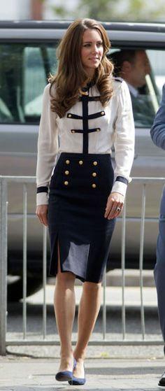 Kate Middleton. Contrast Blouse. High-waisted Skirt.