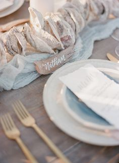 driftwood wedding details - photo by The Ganeys http://ruffledblog.com/intimate-wedding-inspiration-on-driftwood-beach