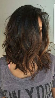 40 Trendy Brown Hair Color Ideas You Can Try brown hair colors, brown hair with. - 40 Trendy Brown Hair Color Ideas You Can Try brown hair colors, brown hair with caramel highlights - Medium Hair Cuts, Medium Hair Styles, Curly Hair Styles, Medium Cut, Brown Hair Balayage, Ombre Hair, Balayage Lob, Long Bob With Balayage, Brown Hair Highlights