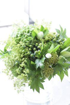みなさまこんにちは! 日頃よりフラワー… Floral Bouquets, Wedding Bouquets, Green Bouquets, Wedding Flowers, Green Flowers, Love Flowers, Beautiful Flowers, Christmas Arrangements, Beautiful Flower Arrangements