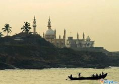 Vizhinjam Mosque Juma Masjid (pronounced) is a locality of Thiruvananthapuram city in the Indian state of Kerala. Kovalam beach is just 3 km from Vizhinjam. The areas in and around Vizhinjam are known for its Ayurvedic treatment centers and internationally acclaimed beach resorts. In 2001, the population was 18,566. Vizhinjam is a natural port, which is located close to the international ship route.  #Vizhinjam #Mosque, #Kerala, #ijiya, #tourisemplace, #ijiyatag, #googlemap, #india, #masjid