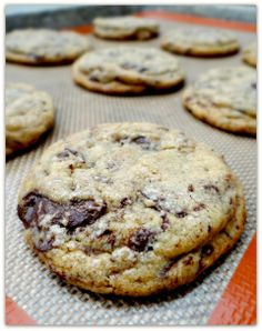 """The best chocolate chip cookie"" Baking Recipes, Cookie Recipes, Dessert Recipes, Just Desserts, Delicious Desserts, Yummy Treats, Sweet Treats, American Chocolate, Best Cookies Ever"