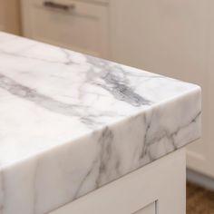 Statuario Marble is beautiful up close. Marble Benchtop, Statuario Marble, La Cornue, Faux Granite Countertops, Interior Design Kitchen, Natural Stones, Design Inspiration, The Originals, Kitchens
