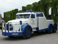 Volvo Cars, Volvo Trucks, Transporter, Tow Truck, Cars And Motorcycles, Classic Cars, Vehicles, Van Gogh, Truck