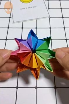 An amazing Origami idea You can find Origami tutorial and more on our website.An amazing Origami idea Instruções Origami, Origami Tattoo, Paper Crafts Origami, Paper Crafting, Origami Videos, Oragami, Diy Paper, Paper Pin, Origami Butterfly