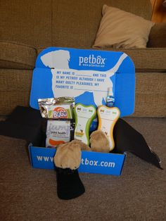 If you want it done right...: Lily Loves her March PetBox - Review & Giveaway - Enter to win one of your own