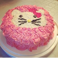 Hello kitty cake, rose swirl