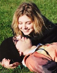 Sid and Cassie, Skins Series Movies, Tv Series, Cassie Skins, Movies Showing, Movies And Tv Shows, Skin Aesthetics, Hannah Murray, Skins Uk, Gen 1