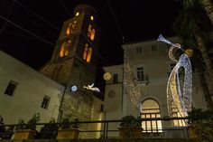 Il Duomo di Salerno... #lucidartistasalerno http://ift.tt/1MUFMgo #lucidartista #lucidartistasalerno #lucisalerno #love #natale #christmaslights #lucidinatale #streetphotography #christmasdecor #luminarias #streetart #salernocity #salerno #light #travelgram #trip #tourist  #urbanart #lights #instachristmas #instalights #salernolights #salernobynight #christmastime #streetlight #travel #beautiful #instalove #fashion #babbonatale