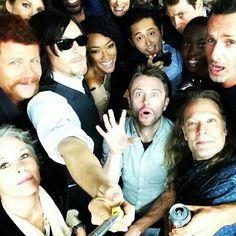 Love it!! the walking dead cast *_________*