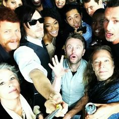 Love it!! the walking dead cast *_________*