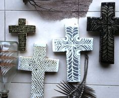 Preparing for :) Cross Wall Decor, Crosses Decor, Wall Crosses, Painted Crosses, Clay Cross, Tropical Home Decor, Mosaic Crosses, Slab Pottery, Create And Craft