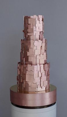 This Metallic Rose Gold Wedding Cake is incredible……must take foreve… Wow ! This Metallic Rose Gold Wedding Cake is incredible……must take forever to do all those squares and rectangles. Crazy Wedding Cakes, Crazy Cakes, Beautiful Wedding Cakes, Gorgeous Cakes, Fancy Cakes, Pretty Cakes, Amazing Cakes, Cake Wedding, Unique Cakes