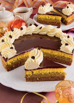 Goal - Italian Pastries Pastas and Cheeses Yummy Treats, Delicious Desserts, Biscotti Biscuits, Italian Pastries, Torte Cake, Plum Cake, Something Sweet, How To Make Cake, Chocolate