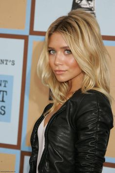 Ashley Olsen. Her style and beauty rocks!