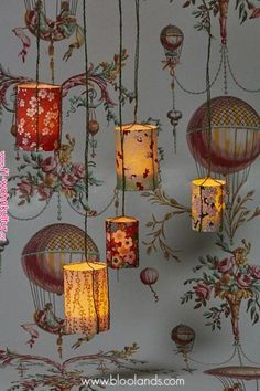 """Dekorative Idee - Hängen Sie unsere LED-Laternen in Japanpapier - Tapete """"ein . Idée déco – Suspendez nos photophores LED en papier japonais – papier peint """"a… Dekorative Idee – Hängen Sie unsere LED-Laternen in japanisches Papier – Tapete """"over colors"""" Bougie Led, Deco Boheme, Bohemian Decor, Decoration, Wallpaper Backgrounds, Paper Wallpaper, Candle Jars, Candle Holders, Diy Home Decor"""