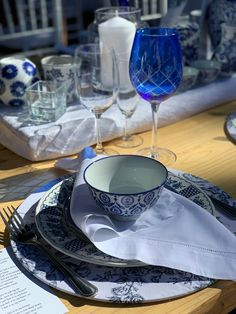 China blue hiring Silver Tea Set, The Knack, Willow Pattern, Nautical Design, Blue China, Delft, One Design, Two By Two, Blue And White