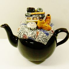 Paul Cardew design Caring for Betty Brown Breakfast Tea pot made in England in Pottery & Glass, Pottery & China, China & Dinnerware Teapot Design, Breakfast Tea, Chocolate Pots, Party Items, China Dinnerware, Teapots, Ceramic Art, Tea Party, Tea Cups