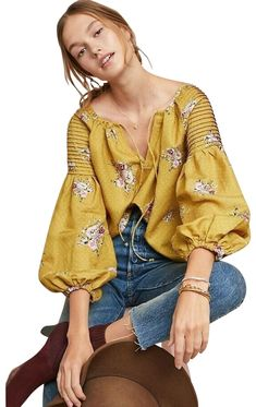 Anthropologie Gold New Danica Peasant Small Blouse Size 6 (S) Fashion 2020, Look Fashion, Winter Fashion, Boho Outfits, Casual Outfits, Textiles Y Moda, Anthropologie Clothing, Bohemian Mode, Petite Fashion Tips