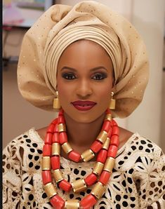 Attaché foulard gélé aso Oke turban