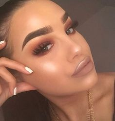 Full Face Makeup, Kiss Makeup, Cute Makeup, Gorgeous Makeup, Hair Makeup, Prom Makeup, Makeup Goals, Makeup Tips, Beauty Makeup