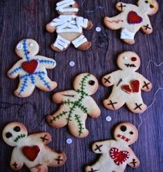 craft ideas for halloween these voodoo doll cookies are so clever from 3850