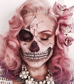 How to SLAYYYY that skeleton look this Halloween! Make up by MUA Vanessa Davis How to SLAYYYY that skeleton look this Halloween! Make up by [. Maquillaje Sugar Skull, Vanessa Davis, Art Visage, Look Rose, Pink Skull, Theatrical Makeup, Special Effects Makeup, Halloween Makeup Looks, Sugar Skull Halloween Makeup